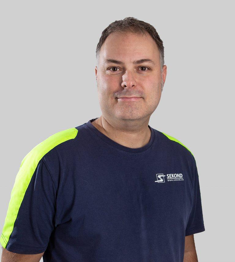 Andreas Larsson är elektriker och arbetar med Elservice på Sekond