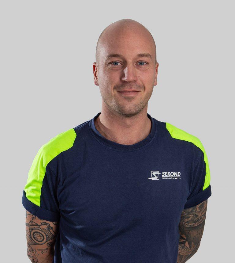 Johan Darius är elektriker och arbetar med Elservice på Sekond