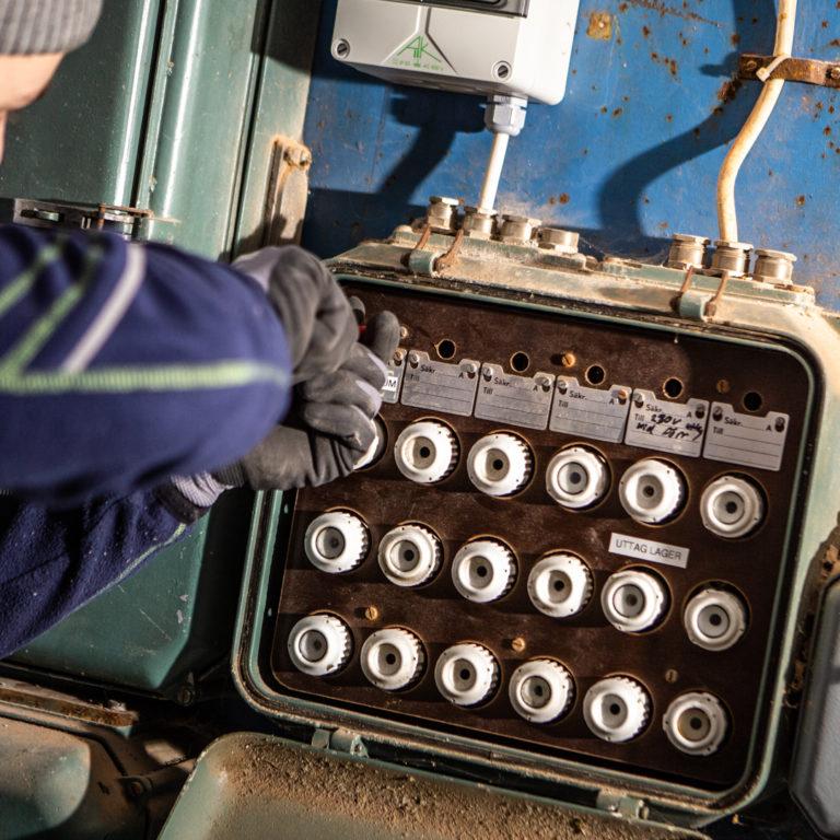 Sekonds elektriker felsöker proppskåp